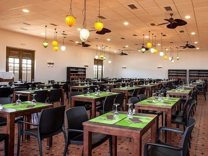 Restaurant 'tuvalu 2' magic natura animal, waterpark resort benidorm