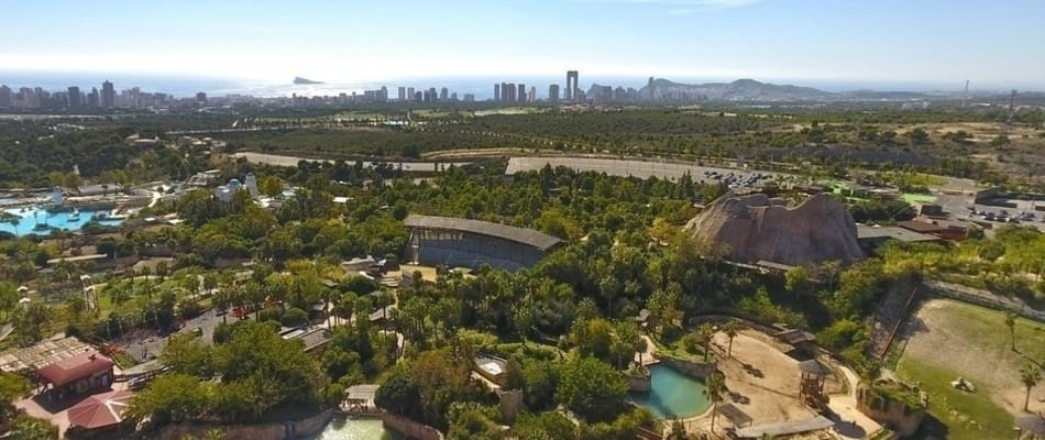 Enjoy one day at the Magic Natura Resort and overnight in the Camper Area Park Magic Natura Animal, Waterpark Resort Benidorm