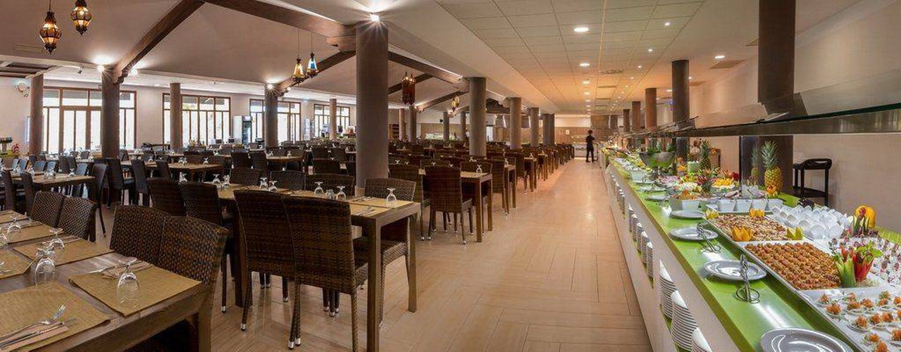 Buffet restaurant magic natura animal, waterpark resort benidorm
